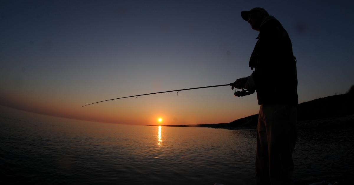 Fiskeri ved solnedgang